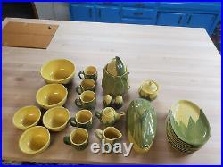 26 Pcs Vintage Shawnee Pottery Corn King Casserole Shakers Bowls Plates Cups