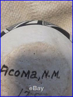 Rare Geometric Patterned vintage bowl of Acoma Pottery New Mexico