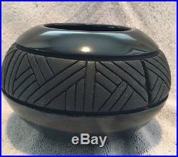Santa Clara Black Mica Incised Pottery Bowl Linda Tafoya Sanchez Vintage 1990s