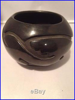 Santa Clara Carved Black Pottery Bowl Native American Vintage Excellent NANCY