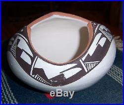 Stella Teller Isleta Pueblo NM Vtg Polychrome Pot Bowl Jar- 5/1 4 x3 1/4