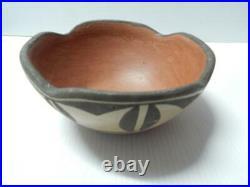 Vintage Antique Zia Pueblo Indian Pottery Bowl Pot Nice Old Patina + Design