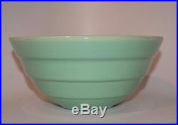 Vintage Bauer Gloss Pastel Kitchenware #12 Mixing Bowl Green