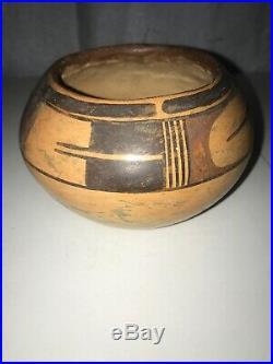 Vintage Hopi Pueblo Indian Pottery Food Bowl Pot