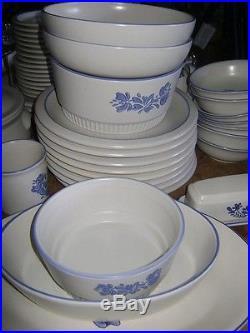 Vintage Pfaltzgraff Yorktown Dinnerware Stoneware Blue 51 Plate Bowl ...