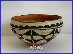 Vintage Robert Tenorio Kewa Santo Domingo Pottery Bowl