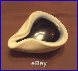 Vintage Russel Wright Bauer Pinched Pottery Bowl