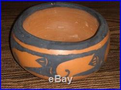Vintage Zuni Pottery Olla / Pot / Bowl Signed By V. Beyuka Native American